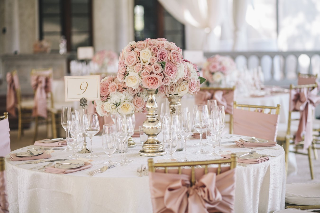 Le déco rose gold. table rose gold mariage