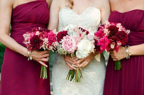 tenue des demoiselles d'honneur et de la mariée - mariage thème framboise